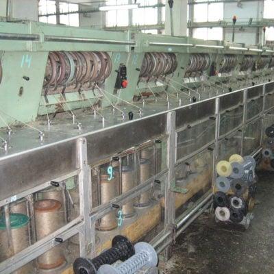 Spolemaskinene inne på fabrikken i Vologda