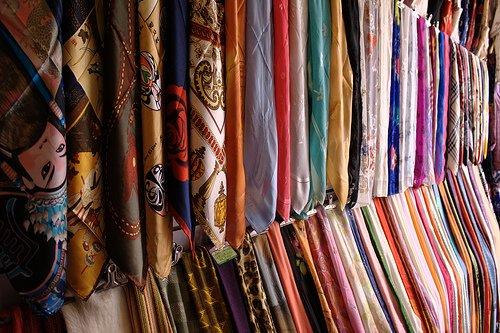 Kina, suzhou silk scarves
